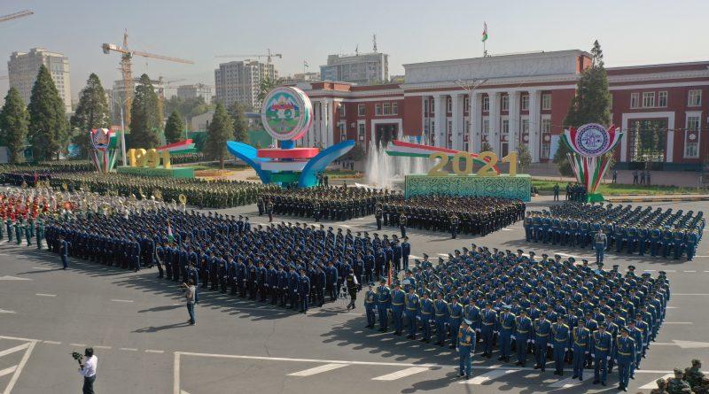 Участие в военном параде по случаю 30-й годовщины Государственной независимости Республики Таджикистан